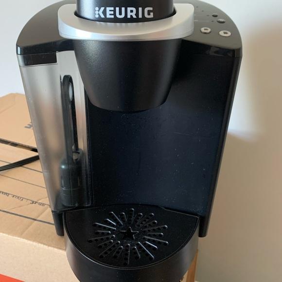 Like new black Keurig k-classic 55
